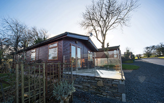 lodges for sale lakes