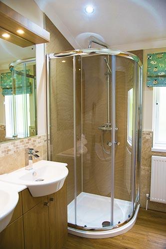 the-pastures-luxury-lodges-lake-district-bathroom